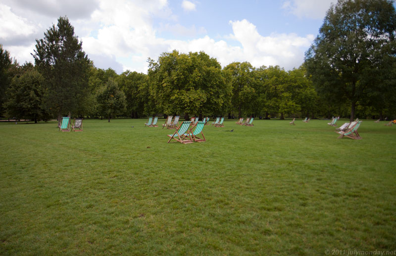 Loungers at Green Park, London